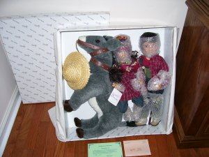 DUCK HOUSE ~ REUBEN AND RUTHIE ~ PORCELAIN DOLL SET w/PLUSH DONKEY! NIB LE#015/5,000