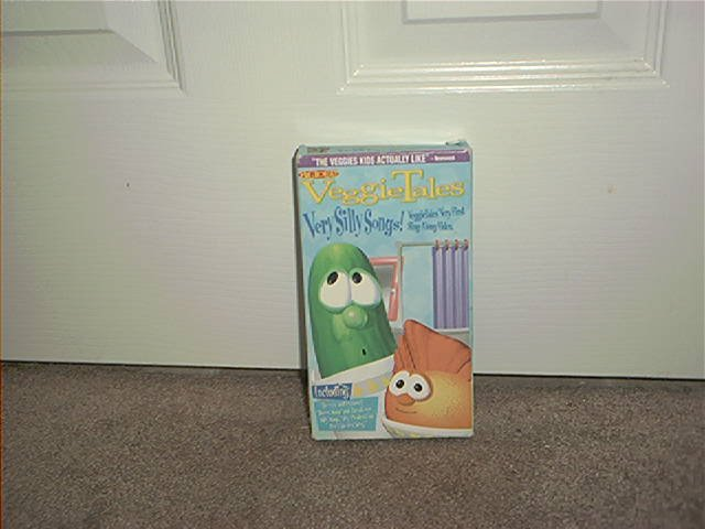 VEGGIE TALES VERY SILLY SONGS VHS VIDEO EXCELLENT CONDITION