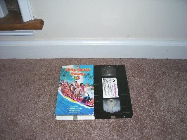 A VERY BRADY SEQUEL VHS EXC COND! 1996 SHELLEY LONG