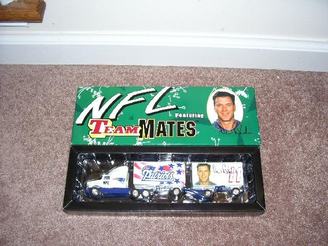 White Rose Drew Bledsoe NFL TEAMMATES NEW ENGLAND PATRIOTS TRACTOR TRAILER NIB DIECAST 1:80