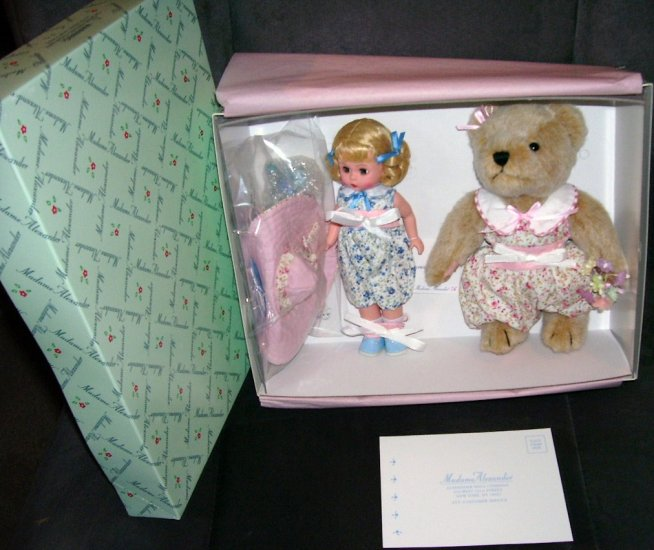 Madame Alexander FLOWERY GOODNESS Wendy & Chaos the Bear Set NIB RETIRED!