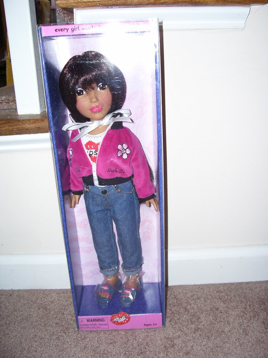 """Lipstik LOLA Doll in LOGO Outfit 16"""" NEW IN BOX! 2006"""