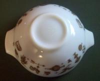 Pyrex White Early American 2.5QT Cinderella Mixing Bowl