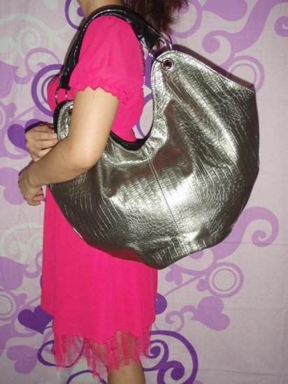 Modish Hand bags