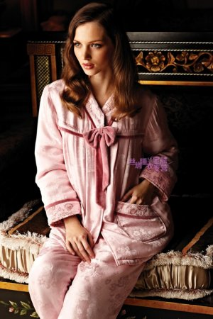 Meibiao 420077 Pink Silk Extra Thick Winter Pajamas Set