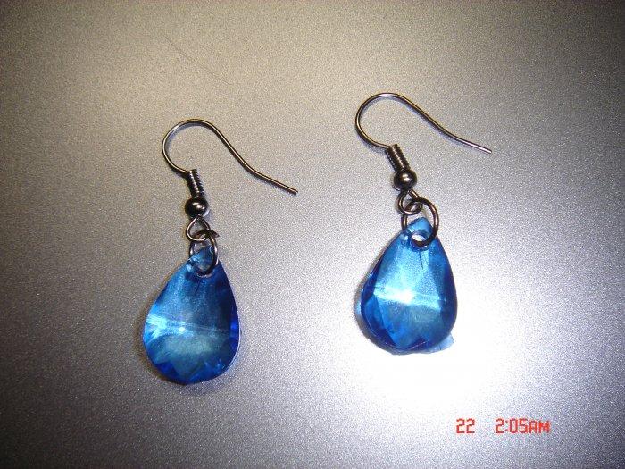 Fashion Handmade Blue Acrylic Teardrop Earrings ON SALE 2009**FREE SHIP