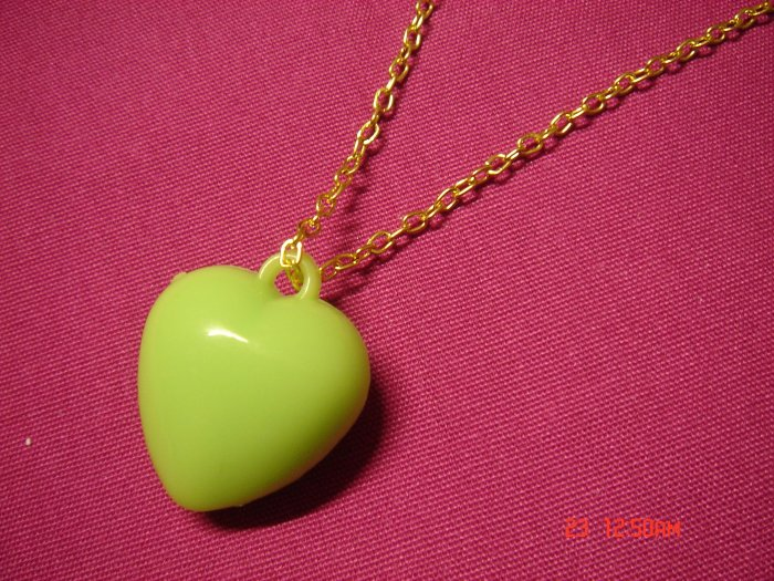 2009 NEW Puffy Pink Acrylic Green Medium Heart choose Gold or Silver Necklace