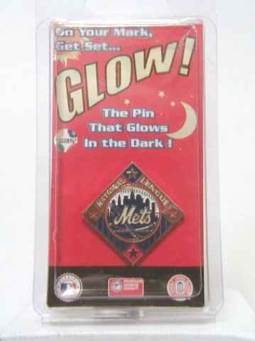Cool NEW YORK METS Glow in the Dark Pin Free Ship