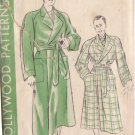 HOLLYWOOD PATTERN 489 MEN'S ROBE SIZE LARGE 42-44