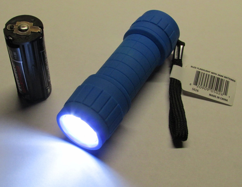 BLUE Color Ozark Trail 9 LED Mini Flashlight WITH Batteries NEW