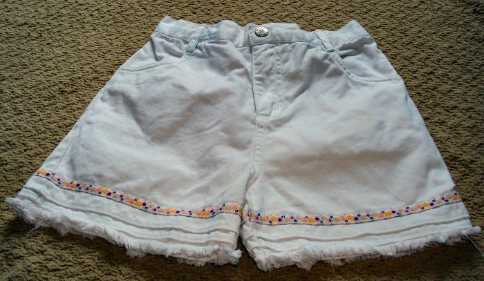 Girls White Shorts with Flower Trim 3T