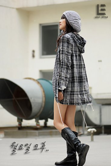 Korean Fashion Wholesale [C2-6085] Youthful Street-wear Plaid Windbreaker - black+white