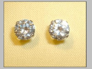 1555: NEW 5 mm Cubic Zirconia Sterling Silver Earring Studs