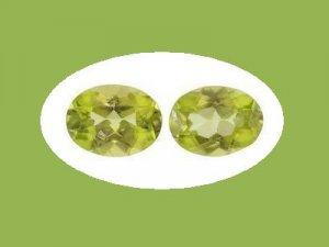 Pair of Oval Cut Peridot 7x5 mm Loose Gemstones