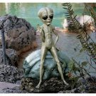 DESIGN TOSCANO Roswell, the Alien Sculpture