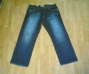 OLD NAVY MENS STRAIGHT CUT DESTROYED JEANS-38 X 32-NWT