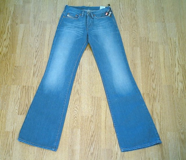 DIESEL BUTTON FLY DAZE FLARE JEANS-SIZE 26 X 34-NWT