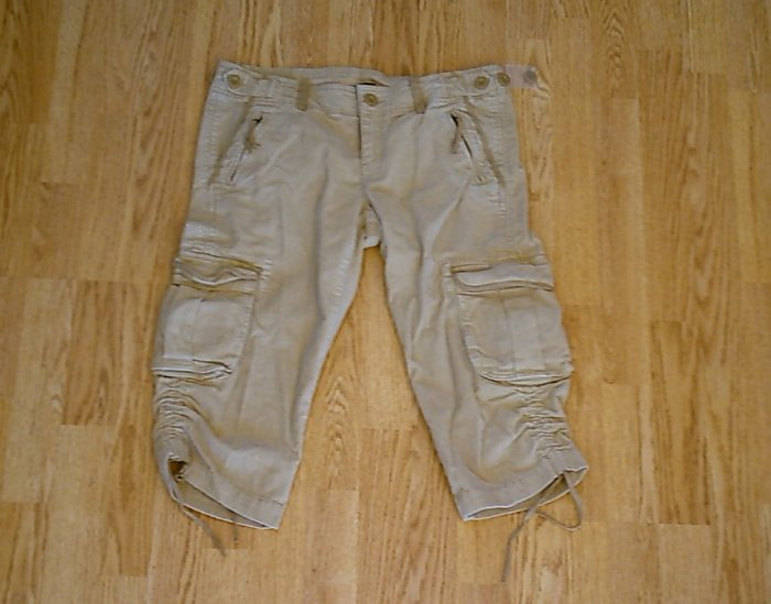 GAP JEANS LOW RISE STRETCH CAPRI PANTS-10-33 X 19-NWT