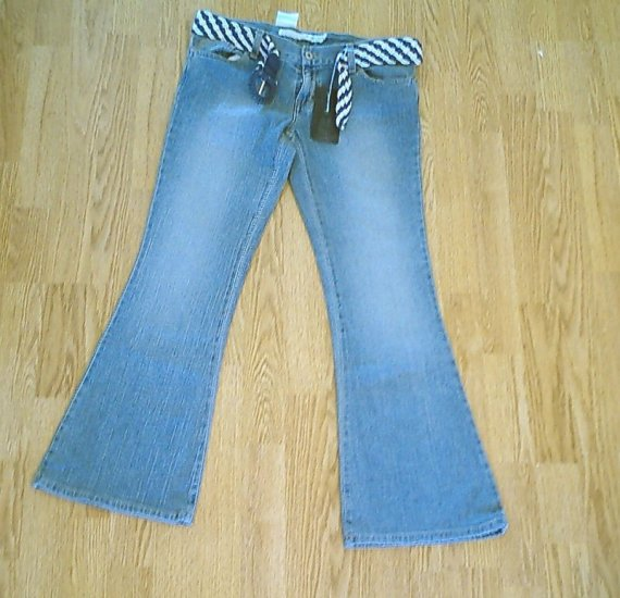 CALVIN KLEIN CHOICE ULTRA LOW FLARE JEANS-32 X31 NWT TAG SIZE 29