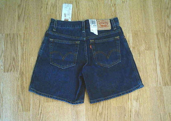 LEVIS JEANS 550 RELAXED DENIM SHORTS-SIZE 4-28 x 7-NWT