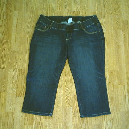 OLD NAVY JEANS LOW RISE MATERNITY CAPRI-LARGE-12/14-NWT