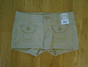 ARIZONA JEANS LOW RISE KHAKI TAN SHORTS-3-30/2.5�-NWT