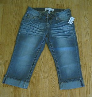 MAURICES JEANS LOW RISE CAPRIS-SIZE 1/2-28 X 19-NWT