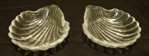 2 Glass Shell Shape Dishes