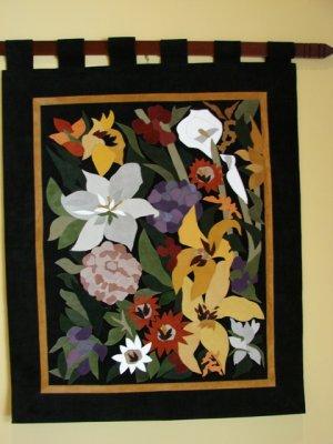 Genuine Leather Wall Art by Sandra Cioci Flores Sobre Negro
