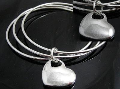 FREE P&P! 925 STERLING SILVER 3 CIRCLE HEART BANGLE #09