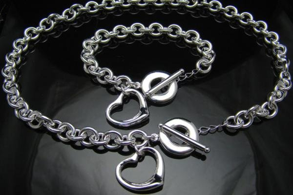 FREE P&P!925 SILVER HEART BRACELET & NECKLACE #S119