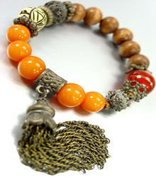 Natural Carved Beads Tassel Bracelet  1B067123B