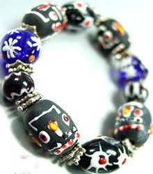 Black Painted Beads Stretch Bracelet 1B11479