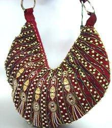 Wine Metallic Llame Beads Handbag     137024