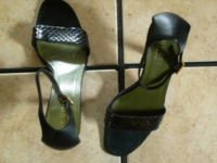 GUUCCI ITALY BLACK SNAKESKIN/LEATHER JEWELED SANDALS