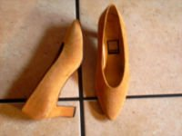 VTG. NINA BROWN SUEDE CLASSIC DRESS SHOES