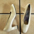 VTG. ROS HOMMERSON CREAM DISTRESSED LEATHER DRESS SHOES