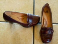 SOFTT ANTIQUE BURGUNDY DISTRESSED LEATHER LOAFER SHOES