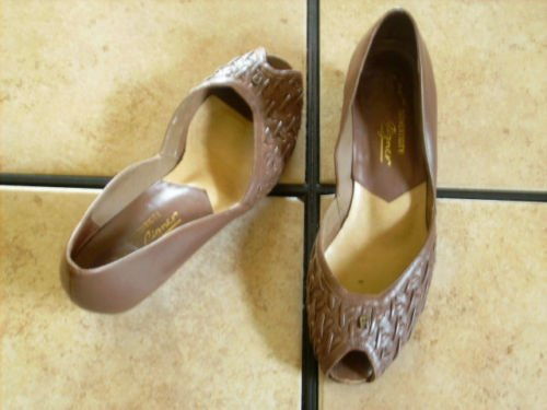VTG. ETIENNE AIGNER BROWN DISTRESSED LEATHER SHOES