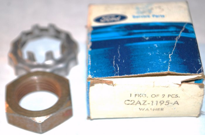 NOS FORD C2AZ1195A FAIRLAINE MUSTANG SPINDLE NUT KIT