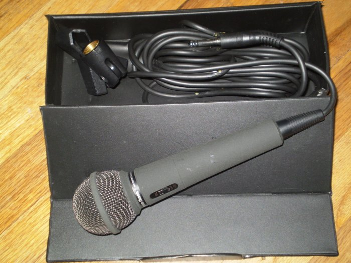 Unidirectional Dynamic Microphone (FREE SHIPPING)