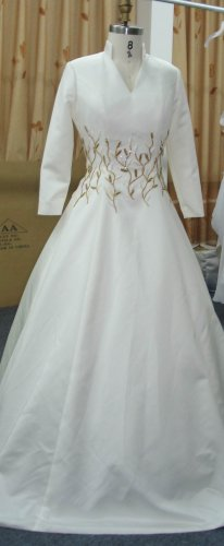 x Fashion Ltd | Plus Size Bridal Gowns | 3/4 Sleeve Wedding Dresses