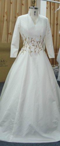 x Fashion Ltd | Plus Size Bridal Gowns | 3/4 Sleeve Wedding Dresses