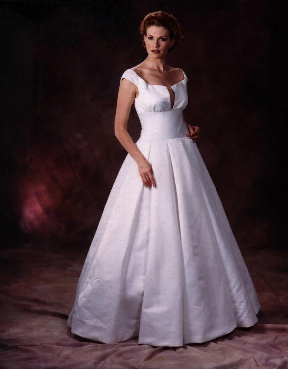 Fashion designer plus size bridal dresses cordell for Designer wedding dresses plus size