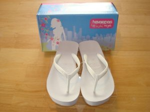 Havaianas High Look USA Flip Flops   Size: 7/8  Free Havaianas Key Chain