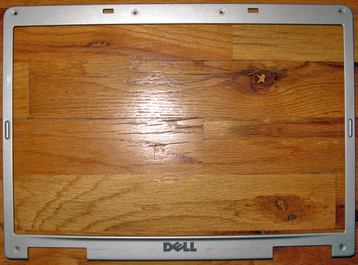 "DELL INSPIRON 6000 15.4"" LCD TRIM BEZEL Y5995 / 0Y5995"