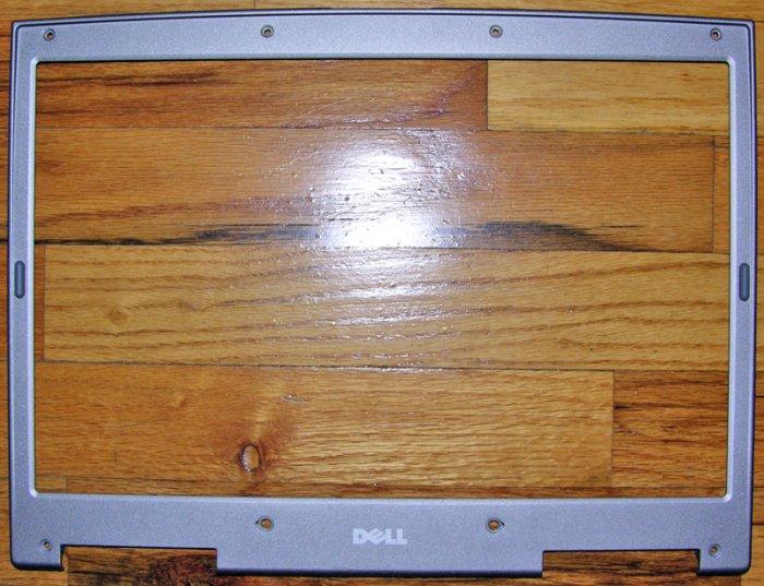 "OEM DELL INSPIRON 9100 15.4"" UXGA LCD BEZEL 0C2499 / C2499"