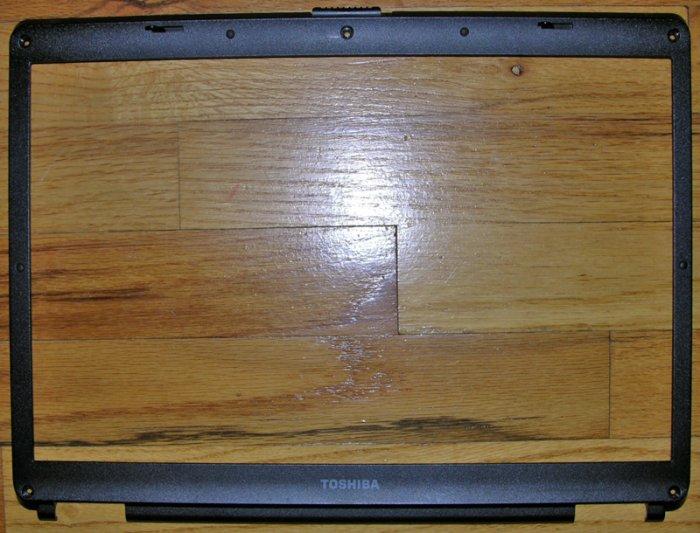 "OEM TOSHIBA SATELLITE A135 15.4"" LCD BEZEL AP015000200"