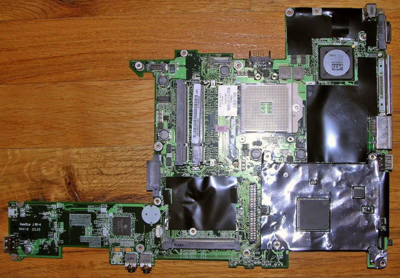 COMPAQ V2000 M2000 MOTHERBOARD 394252 DA0CT8MB6 PARTS