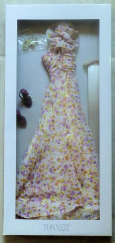 "Tonner Spring Romance Outfit for 13"" Revlon and Similar Dolls 2010 New in Box"